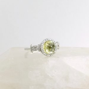 18k white gold ring with lemon quartz and diamonds