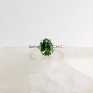 14k white gold ring with green tourmaline and diamonds