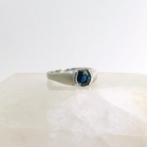 14k white gold ring with sapphire