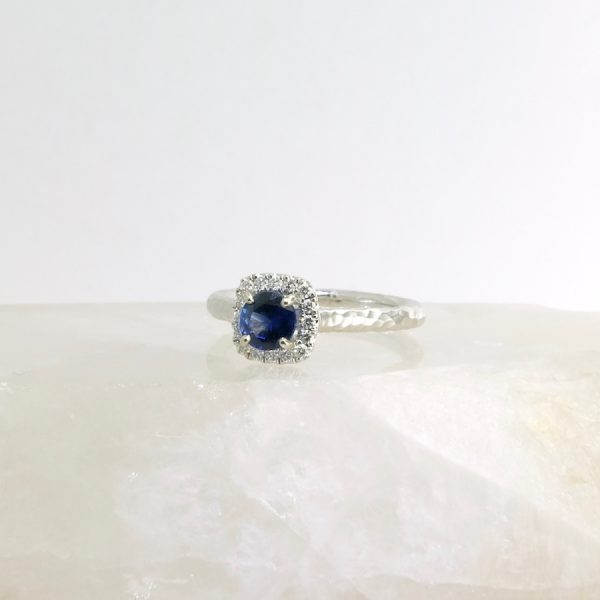 14k white gold ring with sapphire and diamonds