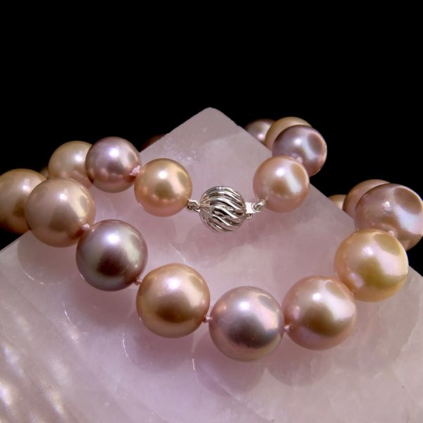 Pastel round pearl necklace with 14k white gold clasp