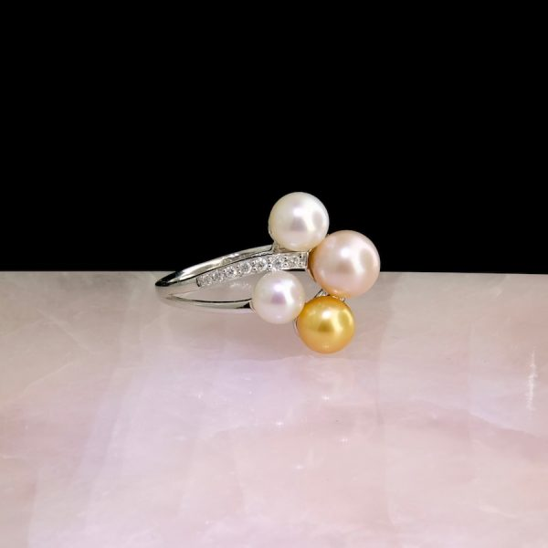 14k white gold ring with multicolor pearls and diamonds